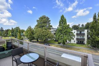 """Photo 10: 304 3218 ONTARIO Street in Vancouver: Main Condo for sale in """"Ontario Place"""" (Vancouver East)  : MLS®# R2502317"""