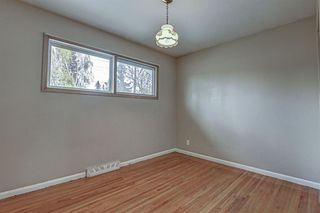 Photo 11: 20 Hillgrove Drive SW in Calgary: Haysboro Detached for sale : MLS®# A1042545
