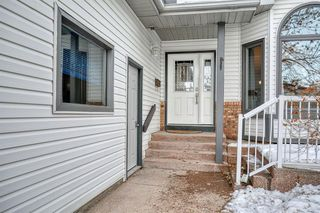 Photo 2: 112 Hampshire Close NW in Calgary: Hamptons Detached for sale : MLS®# A1051810