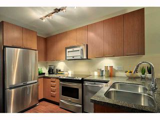 """Photo 6: TH3 2008 E 54TH Avenue in Vancouver: Fraserview VE Condo for sale in """"CEDAR54"""" (Vancouver East)  : MLS®# V819394"""
