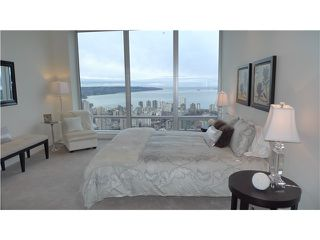 "Photo 10: 4701 1128 W GEORGIA Street in Vancouver: West End VW Condo for sale in ""SHANGRI LA PRIVATE ESTATES"" (Vancouver West)  : MLS®# V824240"