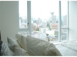 """Photo 1: 2701 550 TAYLOR Street in Vancouver: Downtown VW Condo for sale in """"TAYLOR"""" (Vancouver West)  : MLS®# V833375"""