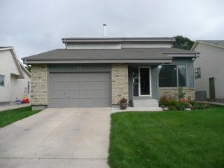 Main Photo: 81 Sonning Bay in WINNIPEG: St Vital Residential for sale (South East Winnipeg)  : MLS®# 1017663