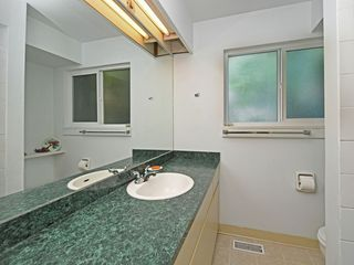 """Photo 16: 2397 HOSKINS Road in North Vancouver: Westlynn Terrace House for sale in """"WESTLYNN TERRACE"""" : MLS®# R2389248"""