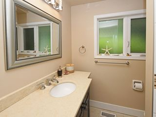 "Photo 10: 2397 HOSKINS Road in North Vancouver: Westlynn Terrace House for sale in ""WESTLYNN TERRACE"" : MLS®# R2389248"
