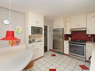"""Photo 6: 2397 HOSKINS Road in North Vancouver: Westlynn Terrace House for sale in """"WESTLYNN TERRACE"""" : MLS®# R2389248"""