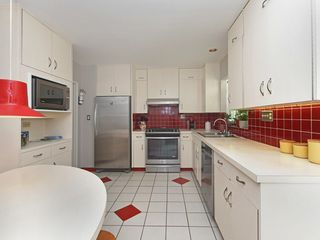 """Photo 7: 2397 HOSKINS Road in North Vancouver: Westlynn Terrace House for sale in """"WESTLYNN TERRACE"""" : MLS®# R2389248"""