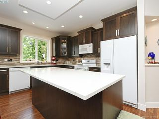 Photo 9: 2982 Harlequin Pl in VICTORIA: La Goldstream Single Family Detached for sale (Langford)  : MLS®# 821181