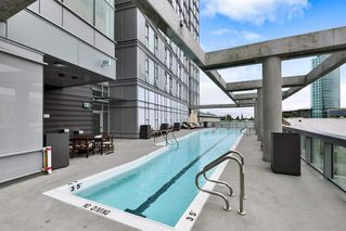 "Photo 7: 4602 13495 CENTRAL Avenue in Surrey: Whalley Condo for sale in ""3 CIVIC PLAZA"" (North Surrey)  : MLS®# R2411179"