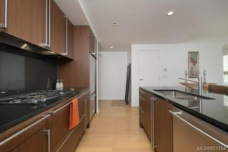 Photo 2: 307 100 Saghalie Rd in : VW Songhees Condo Apartment for sale (Victoria West)  : MLS®# 851124
