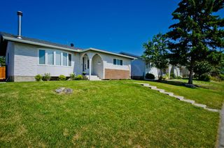 Photo 2: 5508 5 Avenue SE in Calgary: Penbrooke Meadows Detached for sale : MLS®# A1023147