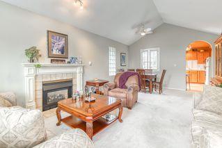 "Photo 4: 303 15035 THRIFT Avenue: White Rock Condo for sale in ""Grosvenor Court"" (South Surrey White Rock)  : MLS®# R2494043"