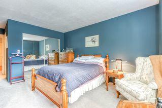 "Photo 12: 303 15035 THRIFT Avenue: White Rock Condo for sale in ""Grosvenor Court"" (South Surrey White Rock)  : MLS®# R2494043"