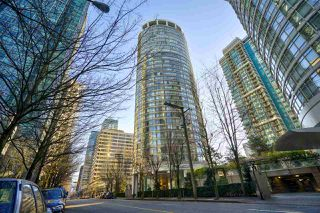 "Main Photo: 904 1200 ALBERNI Street in Vancouver: West End VW Condo for sale in ""PALISADES"" (Vancouver West)  : MLS®# R2524174"