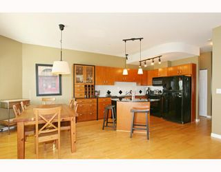 """Photo 3: 6 1108 RIVERSIDE Circle in Port Coquitlam: Riverwood Townhouse for sale in """"HERITAGE MEADOWS"""" : MLS®# V791486"""