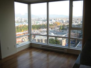 "Photo 6: 803 2483 SPRUCE Street in Vancouver: Fairview VW Condo for sale in ""SKYLINE ON BROADWAY"" (Vancouver West)  : MLS®# V797426"