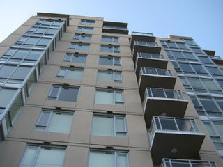 "Photo 4: 803 2483 SPRUCE Street in Vancouver: Fairview VW Condo for sale in ""SKYLINE ON BROADWAY"" (Vancouver West)  : MLS®# V797426"