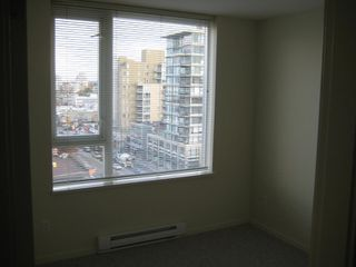 "Photo 14: 803 2483 SPRUCE Street in Vancouver: Fairview VW Condo for sale in ""SKYLINE ON BROADWAY"" (Vancouver West)  : MLS®# V797426"