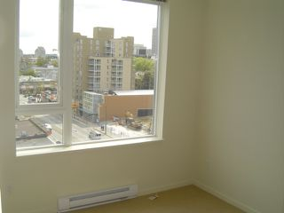 "Photo 13: 803 2483 SPRUCE Street in Vancouver: Fairview VW Condo for sale in ""SKYLINE ON BROADWAY"" (Vancouver West)  : MLS®# V797426"