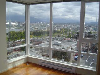 "Photo 9: 803 2483 SPRUCE Street in Vancouver: Fairview VW Condo for sale in ""SKYLINE ON BROADWAY"" (Vancouver West)  : MLS®# V797426"