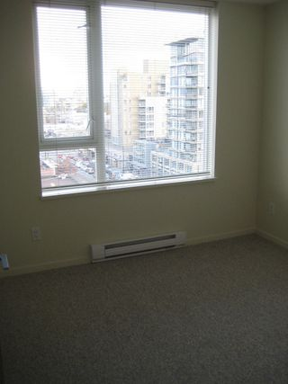 "Photo 23: 803 2483 SPRUCE Street in Vancouver: Fairview VW Condo for sale in ""SKYLINE ON BROADWAY"" (Vancouver West)  : MLS®# V797426"