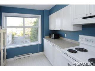 Photo 18: 301 1580 Christmas Ave in VICTORIA: SE Mt Tolmie Condo Apartment for sale (Saanich East)  : MLS®# 489978