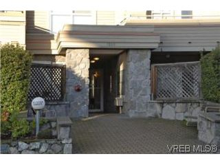 Photo 19: 301 1580 Christmas Ave in VICTORIA: SE Mt Tolmie Condo Apartment for sale (Saanich East)  : MLS®# 489978