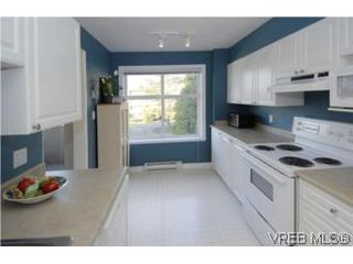 Photo 5: 301 1580 Christmas Ave in VICTORIA: SE Mt Tolmie Condo Apartment for sale (Saanich East)  : MLS®# 489978