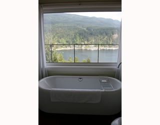 Photo 8: 4720 EASTRIDGE Road in North_Vancouver: Deep Cove House for sale (North Vancouver)  : MLS®# V748012