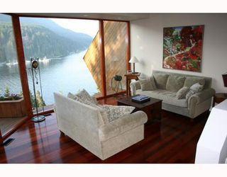 Photo 7: 4720 EASTRIDGE Road in North_Vancouver: Deep Cove House for sale (North Vancouver)  : MLS®# V748012