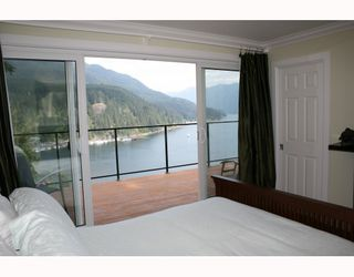 Photo 10: 4720 EASTRIDGE Road in North_Vancouver: Deep Cove House for sale (North Vancouver)  : MLS®# V748012