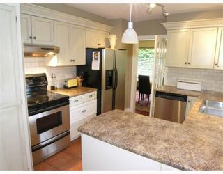 Photo 2: 574 W ST JAMES Road in North_Vancouver: Delbrook House for sale (North Vancouver)  : MLS®# V753119