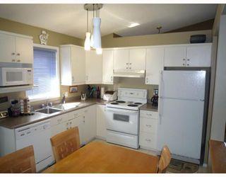 Photo 2: 180 REDONDA Street in WINNIPEG: Transcona Residential for sale (North East Winnipeg)  : MLS®# 2907150