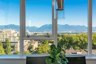 Photo 1: 807 2788 PRINCE EDWARD Street in Vancouver: Mount Pleasant VE Condo for sale (Vancouver East)  : MLS®# R2401286