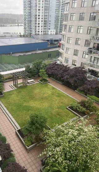 "Photo 24: 1608 888 CARNARVON Street in New Westminster: Downtown NW Condo for sale in ""MARINUS"" : MLS®# R2465548"