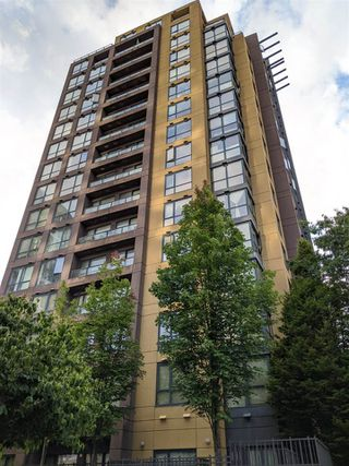 """Main Photo: 1707 3438 VANNESS Avenue in Vancouver: Collingwood VE Condo for sale in """"The Centro"""" (Vancouver East)  : MLS®# R2471469"""