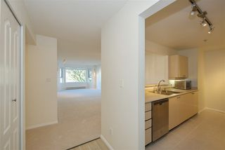 """Photo 10: 211 5888 DOVER Crescent in Richmond: Riverdale RI Condo for sale in """"Pelican Pointe"""" : MLS®# R2489063"""