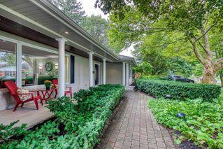 Photo 2: 185 Dornie Road in Oakville: Eastlake House (Bungalow) for sale : MLS®# W4905401