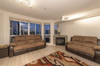 Photo 3: 407 122 E 3RD Street in North Vancouver: Lower Lonsdale Condo for sale : MLS®# R2498536