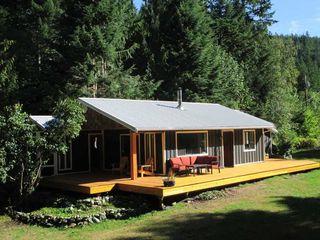 Main Photo: 9047 PARADISE VALLEY Road in Squamish: Paradise Valley House for sale : MLS®# R2499644