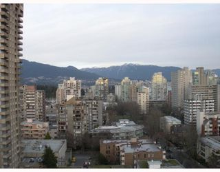 "Photo 5: 1804 1725 PENDRELL Street in Vancouver: West End VW Condo for sale in ""STRATFORD PLACE"" (Vancouver West)  : MLS®# V798826"