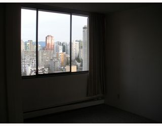 "Photo 10: 1804 1725 PENDRELL Street in Vancouver: West End VW Condo for sale in ""STRATFORD PLACE"" (Vancouver West)  : MLS®# V798826"