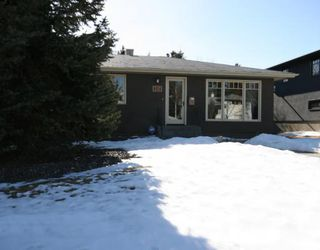 Photo 15: 101 WALNUT Drive SW in CALGARY: Wildwood Residential Detached Single Family for sale (Calgary)  : MLS®# C3413062