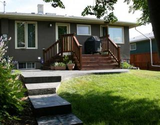 Photo 20: 101 WALNUT Drive SW in CALGARY: Wildwood Residential Detached Single Family for sale (Calgary)  : MLS®# C3413062