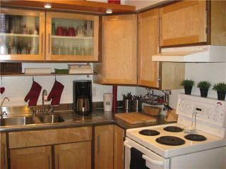 """Photo 4: 119 2190 W 7TH Avenue in Vancouver: Kitsilano Condo for sale in """"SUNSET WEST"""" (Vancouver West)  : MLS®# V831443"""