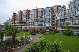 "Photo 3: 504 1490 PENNYFARTHING Drive in Vancouver: False Creek Condo for sale in ""HARBOUR COVE"" (Vancouver West)  : MLS®# V844891"