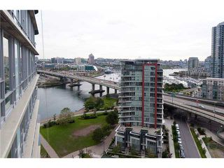"""Photo 2: 1907 918 COOPERAGE Way in Vancouver: False Creek North Condo for sale in """"MARINER"""" (Vancouver West)  : MLS®# V863585"""
