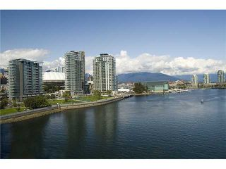 """Photo 1: 1907 918 COOPERAGE Way in Vancouver: False Creek North Condo for sale in """"MARINER"""" (Vancouver West)  : MLS®# V863585"""