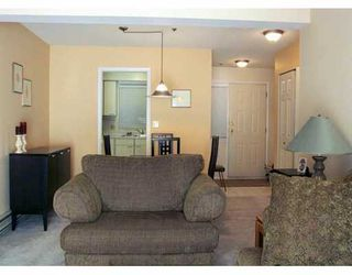 """Photo 3: 105 988 W 16TH AV in Vancouver: Cambie Condo for sale in """"THE OAKS"""" (Vancouver West)  : MLS®# V575804"""