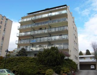 "Main Photo: 304 1845 BELLEVUE Avenue in West_Vancouver: Ambleside Condo for sale in ""MAUNA LOA"" (West Vancouver)  : MLS®# V755035"